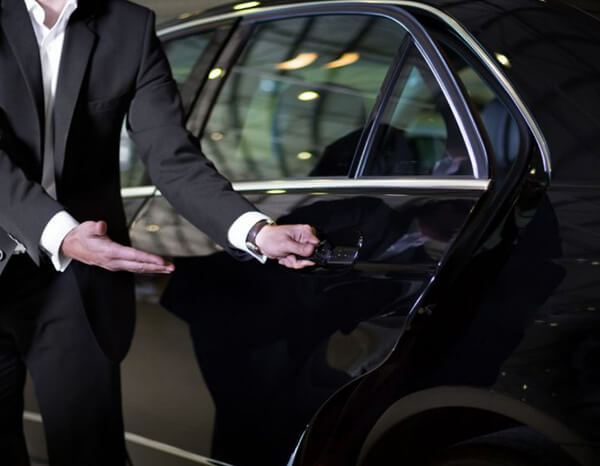 melbourne-airport-transfers-with-True-Blue-Limousines